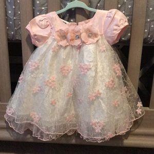 Worn once blueberi boulevard pink/white dress 12M